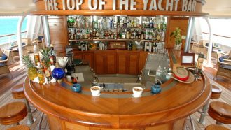 Top Yacht Bar04
